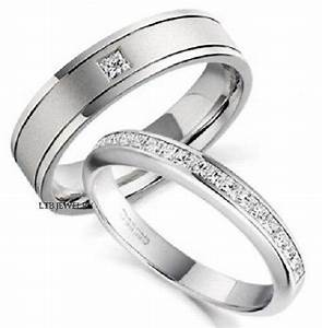 950 platinum matching his hers wedding bands diamonds for Men and women matching wedding rings