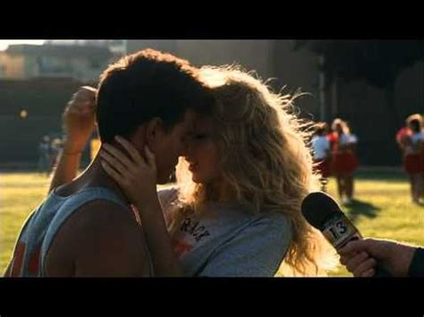 Valentine´s Day Taylor Lautner and Taylor Swift Spanish HD ...