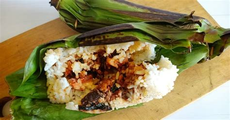 Nasi bakar pada intinya adalah nasi beserta lauk sederhana yang dikukus lalu dibakar dalam satu gulungan daun pisang. 89 resep nasi bakar tuna enak dan sederhana - Cookpad