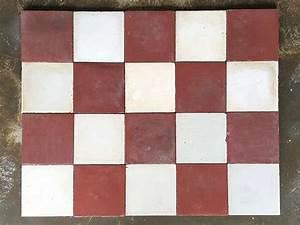 Faire Briller Des Carreaux De Ciment : carrelage damier rouge et blanc tendance d co tuiles c ramiques ~ Melissatoandfro.com Idées de Décoration
