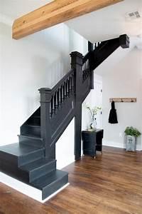 Fixer Upper Badezimmer : 17 best ideas about black staircase on pinterest staircase painting black banister and ~ Orissabook.com Haus und Dekorationen