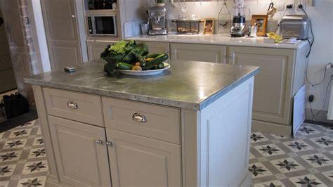 cuisine en zinc meuble cuisine bois et zinc meuble bas de cuisine avec