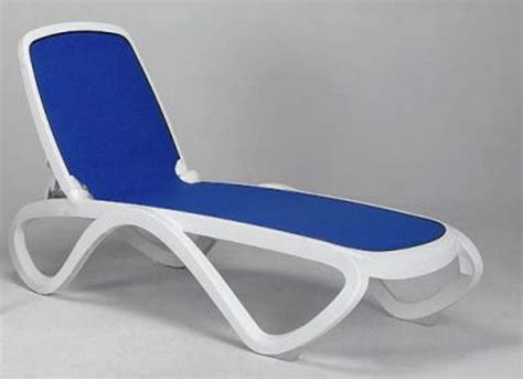 chaise en polypropylène plastic chaise lounge chairs outdoor ideas house