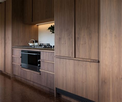 walnut veneer kitchen cabinets kitchen for simon devitt by bureaux walnut veneer 6998