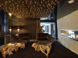 le plafond lumineux jolis designs de faux plafonds et d With carrelage adhesif salle de bain avec ciel étoilé led