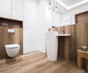 Holz Für Feuchträume : feuchtraumpaneele im badezimmer verlegen und anbringen ~ Markanthonyermac.com Haus und Dekorationen