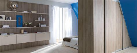 rangement mural chambre rangement mural de chambre en bois photo 14 15 très