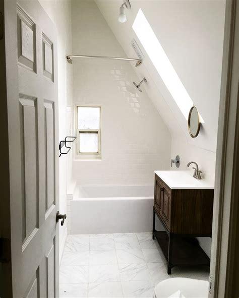Small Attic Bathroom Ideas by Best 25 Attic Bathroom Ideas On Small Attic
