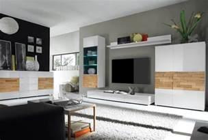 steinwand wohnzimmer paneele wohnzimmer landhausstil paneele surfinser