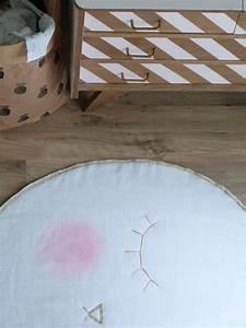 Tapis Chambre Bébé : pomme de reinette et pomme tapis couture turbulences ~ Teatrodelosmanantiales.com Idées de Décoration