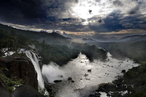 cachoeiras incriveis ao redor  mundo