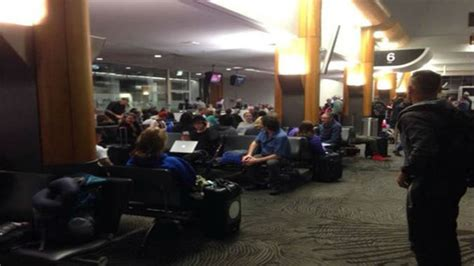 auckland airport delays   passengers affected