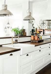 farmhouse kitchen design ideas 31 cozy and chic farmhouse kitchen d 233 cor ideas digsdigs