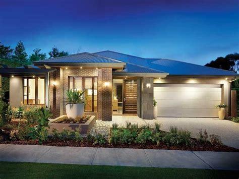 5 Beautiful Practical Outdoor Lighting To Dos by House Facade Ideas House Exterior Design House Facades