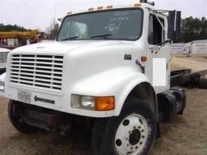 International 4900 Dt466e Truck 1996 Used