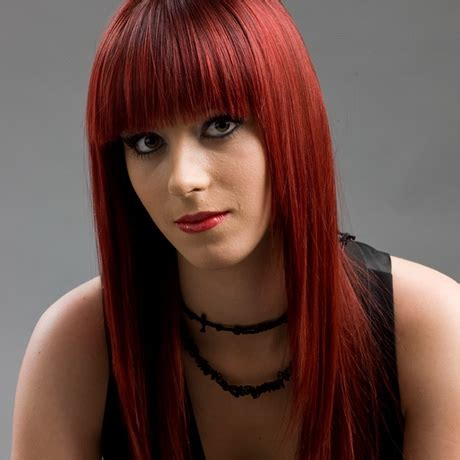 haare mit roten strähnen bilder rote haare frisuren
