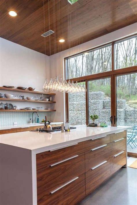 cuisine bois et blanc la cuisine avec ilot cuisine bien structur 233 e et fonctionnelle archzine fr