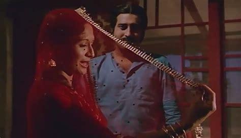 lahu ke do rang filmi contrast kamal hai bindiya songs