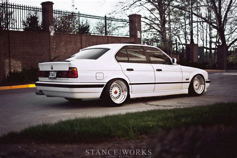 bmw   white    autoevolution