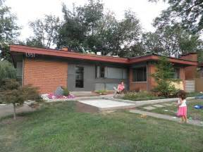 Image of: Cincinnati Modernation Mid Century Modern Curb Appeal Red Roof Brick Patio Designs For Your Garden