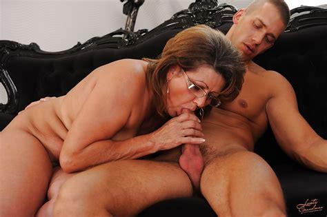 hot mature oral blackboxxx