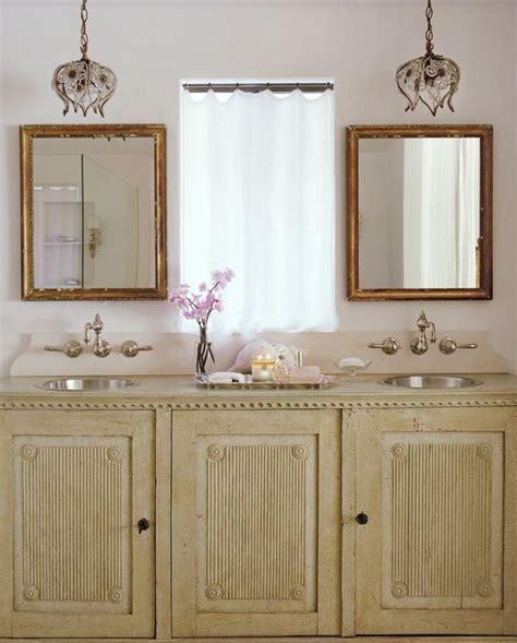 lighting options in the bathroom    Velvet & Linen