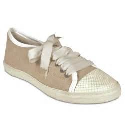 designer sneakers lanvin 39 s designer shoes canvas sneakers lanvin 1502