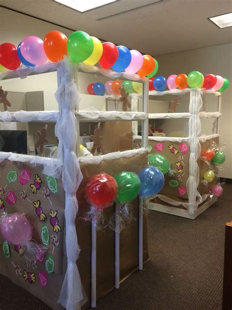 gingerbread house office cubicle decorations gingerbread house cubicle aggie07mlm if you were still at our dilley office we could