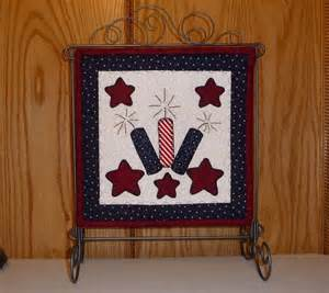 PDF Pattern for Patriotic Mini Quilt, Patriotic Applique Pattern - Patriotic Wall Hanging Pattern - Sewing Pattern, Tutorial, DIY