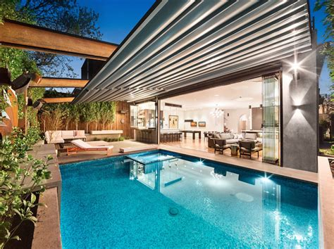 Retractable Roof Systems I Private Residence, South Yarra