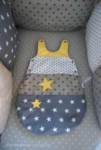 Chambre Bebe Jaune : gigoteuse personnalisable 0 6 mois jaune taupe gris chambre avec vue gigoteuse bebe et ~ Nature-et-papiers.com Idées de Décoration