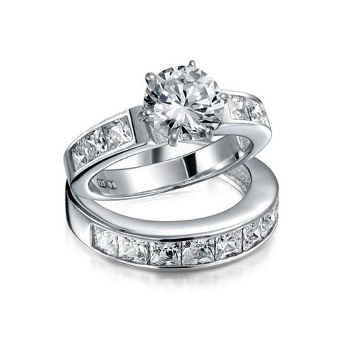 what is the difference between an engagement ring and a wedding ring quora