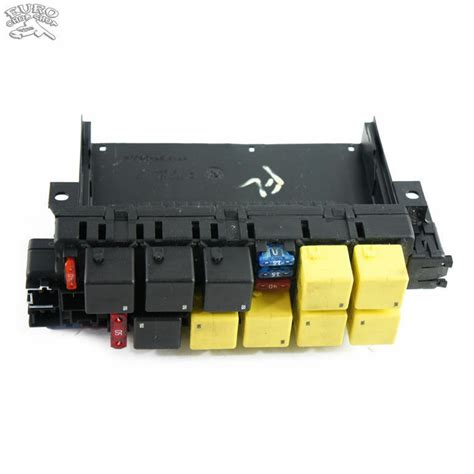 Mercede S430 Fuse Box by Fuse Relay Box Front Left Mercedes W215 W220 00 06 S430