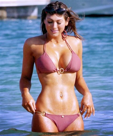 Ex Uk Big Brother Contestant And Apprentice Runners Up Puisa Zissman Shows Off Her Assets In Bikini