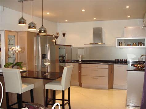 cuisine ouverte avec bar sur salon cuisine avec bar ouvert sur salon 5 cuisine ouverte sur