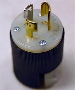 Hbl4770c 15amp 277v Grounding Twist Lock Plug  2 Pole 3