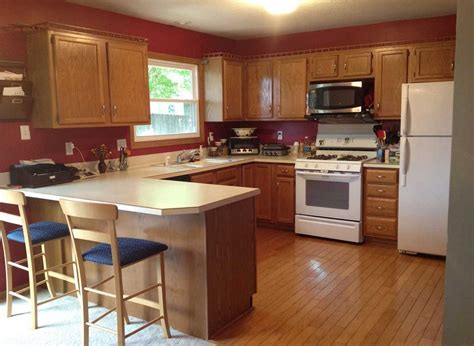 kitchen paint colors with oak cabinets and black