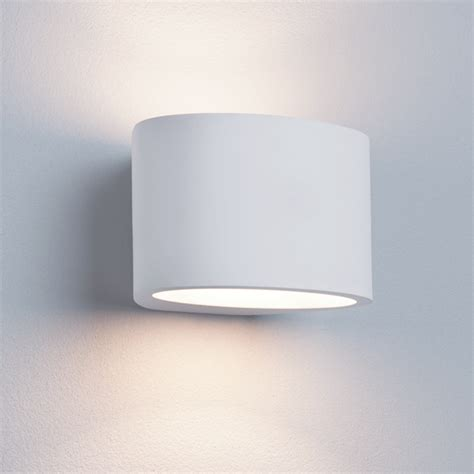 st8721 g9 oval white plaster wall light national lighting