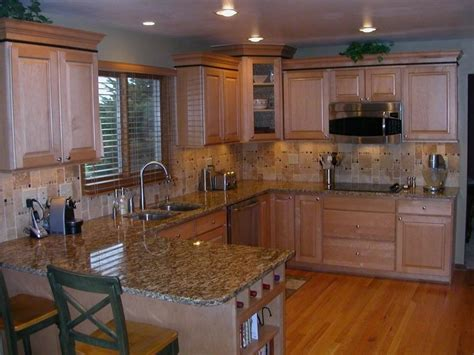 images of white kitchen cabinets 31 best maple cabinet kitchen images on 7507