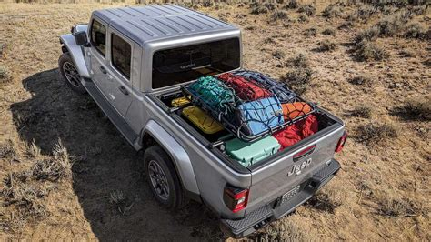 2020 jeep gladiator bed size 2020 jeep gladiator debuts wrangler truck with road