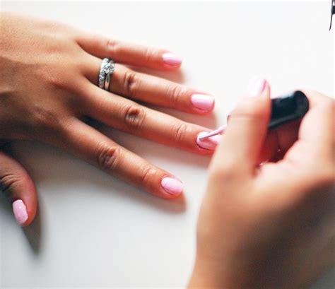 le pour secher vernis ongles le truc ultime pour ne plus avoir de vernis 224 ongles sur vos cuticules