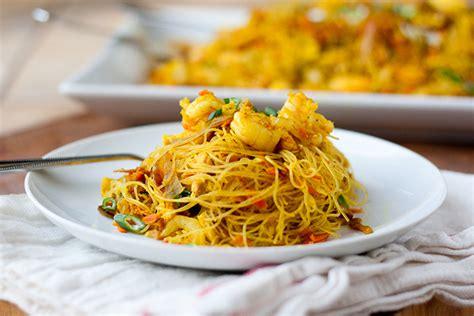 singapore noodles singapore mei fun tasty kitchen blog