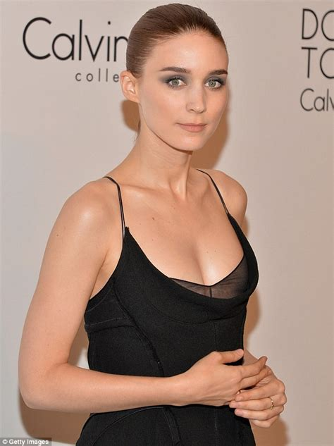rooney mara sexy the girl with the low cut dress rooney mara wows in