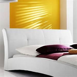 Hochglanz Bett Weiß 140x200 : polsterbett komplett amadeo bett 140x200 cm wei lattenrost matratze wohnbereiche ~ Bigdaddyawards.com Haus und Dekorationen