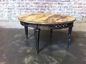 New arrivals lots of chippy paint found vintage rentals for Distressed white round coffee table