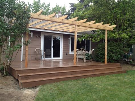 deck  trellis  buildstong construction llc