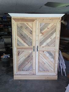 repurposed-pallet-wardrobe-closet-painted-furniture-pallet