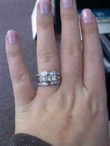 Izyaschnye wedding rings finger too fat for wedding ring for Wedding rings for fat fingers