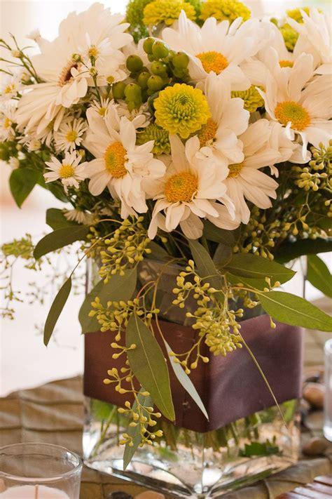 daisy flower arrangement centerpieces daisy centerpiece