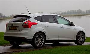 Ford Focus 1 : ford focus 1 0 ecoboost rijtest en video ~ Melissatoandfro.com Idées de Décoration